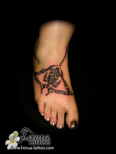 Tatouage de pied tatouage polyn sien tatoouages fenua tattoo - Signification tatouage tortue ...