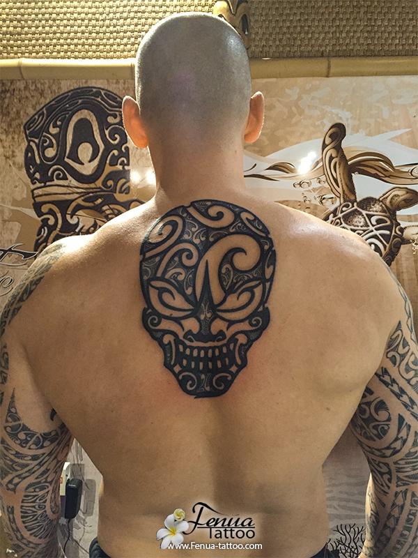 News tatouage polyn sien tatoouages fenua tattoo - Signification tatouage tete de mort ...